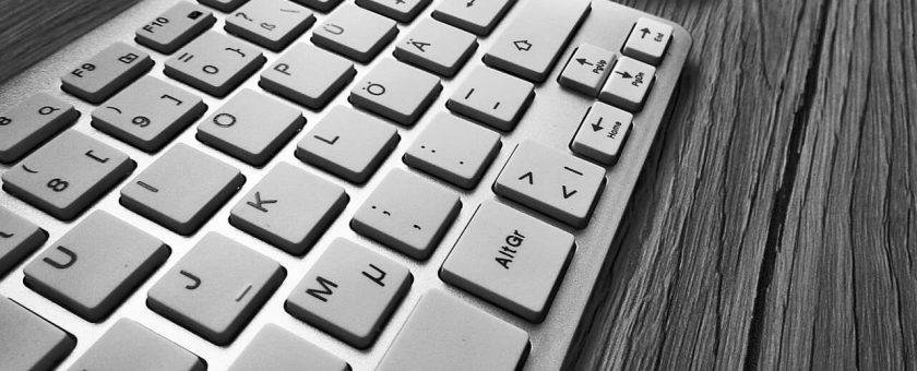 Kurs obsługi komputera dla seniorów – czy warto?
