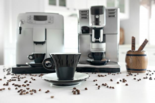 Ekspres do kawy– na co zwrócić uwagę podczas zakupu?