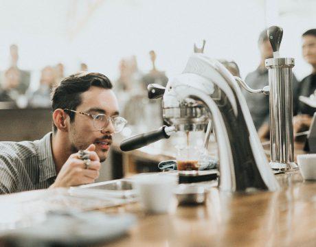 Jak naprawić młynek w ekspresie do kawy?
